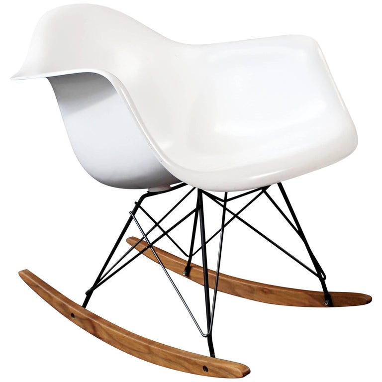 Mid-Century Modern Vintage Eames Herman Miller Shell Rocker Rocking Chair, 1970s