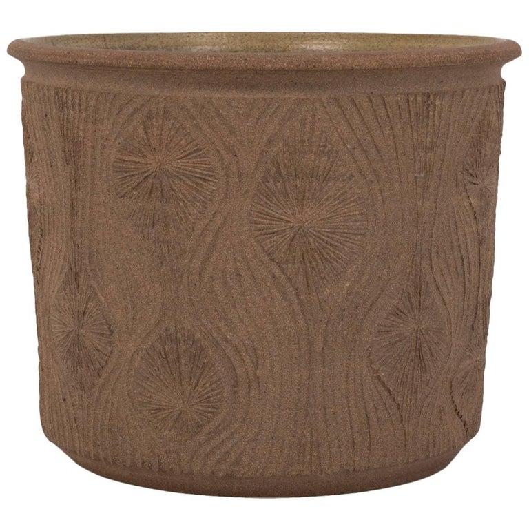 "Robert Maxwell Studio Pottery Planter with Incised ""Teardrop Sunburst"" Detail"