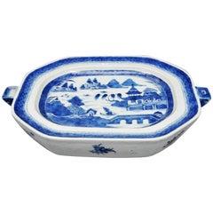 Chinese Export Underglaze Blue Porcelain Rare Hot Water Warming Dish, circa 1810
