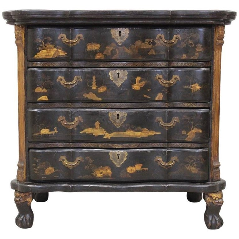 Rare Mid-18th Century Chinese-Export Serpentine Lacquer Commode For Sale