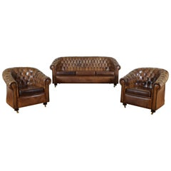 Set of Spanish Tufted Leather Chesterfield Style Seating Furniture, 20th Century