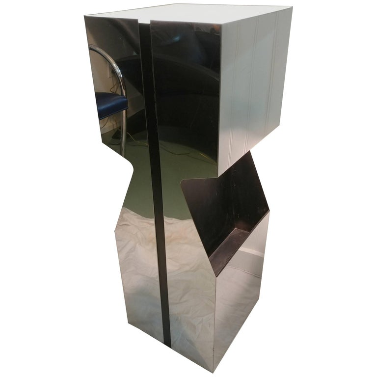Illuminated Magazine Plant Pedestal by Neal Small 1970s, Offered by La Porte For Sale