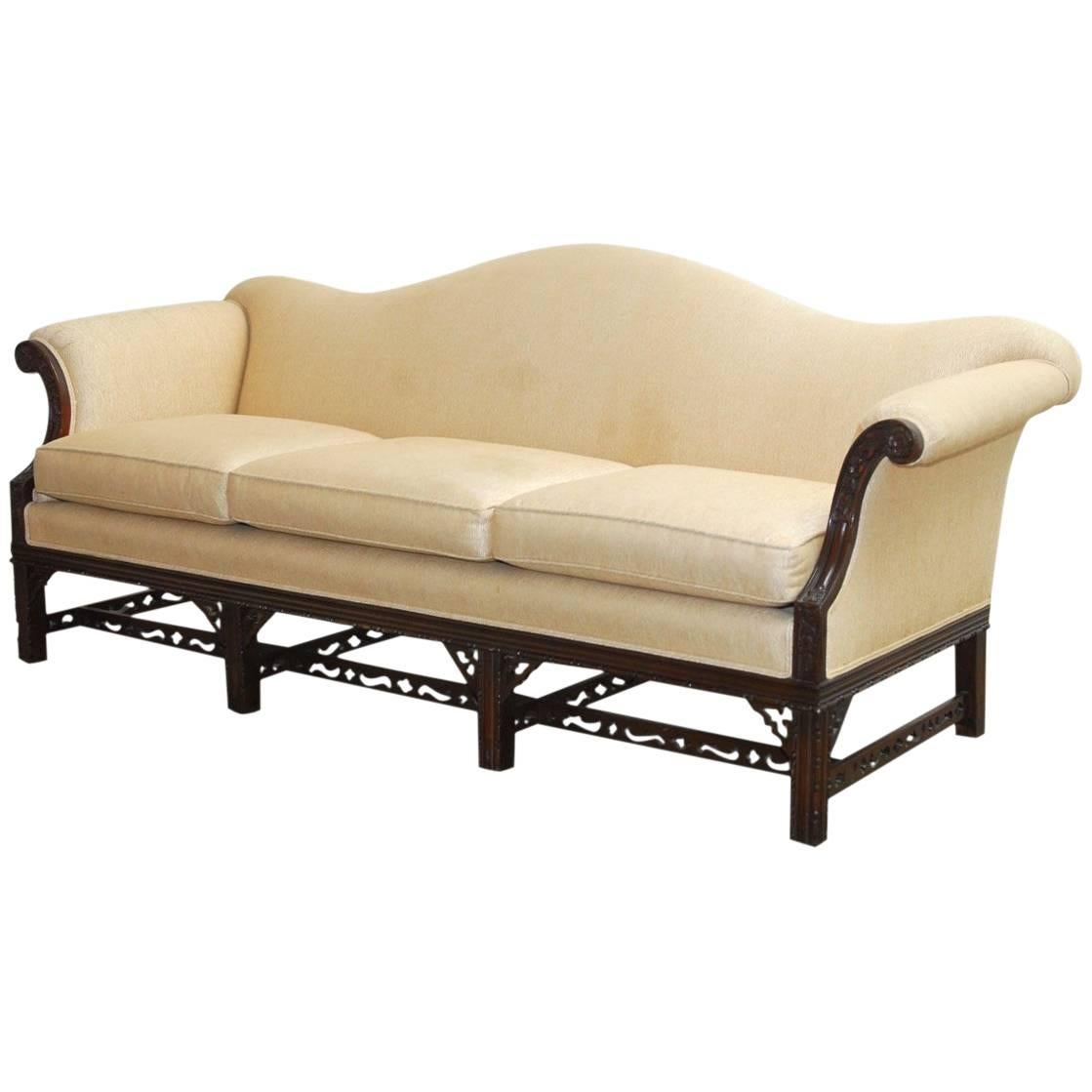 Delicieux Chinese Chippendale Style Carved Mahogany Camelback Sofa
