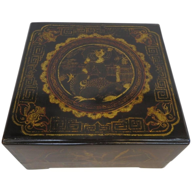 19th Century Chinoiserie Gilt Painted Box