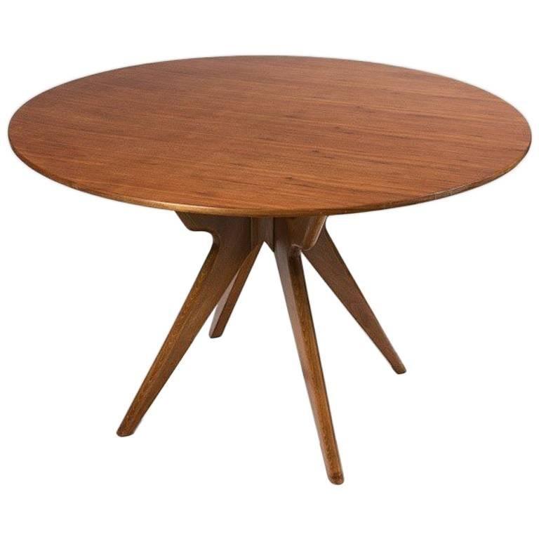Circular dining room table