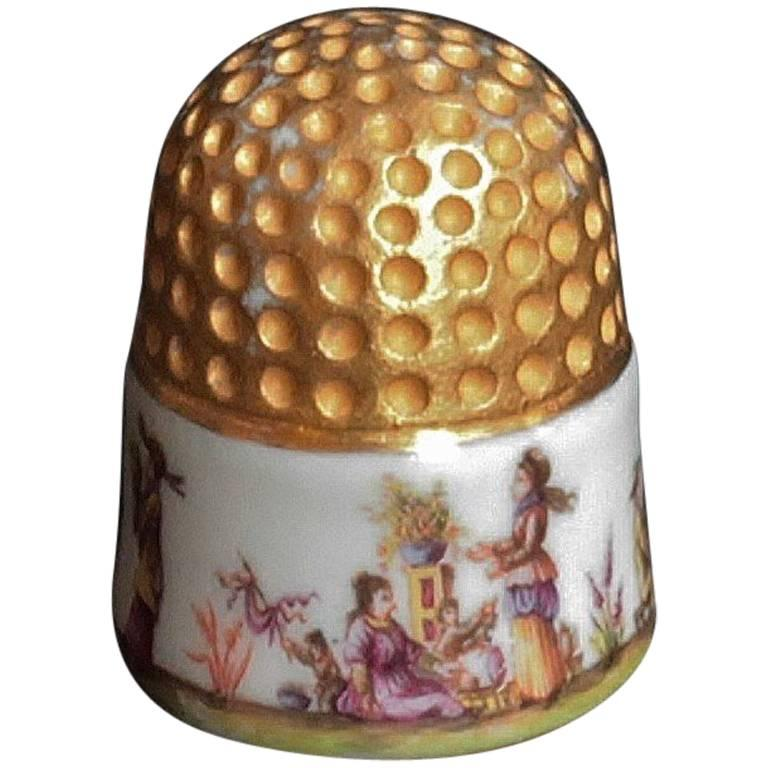 Meissen Porcelain Thimble with Chinoiserie Scenes, circa 1735-1740 1