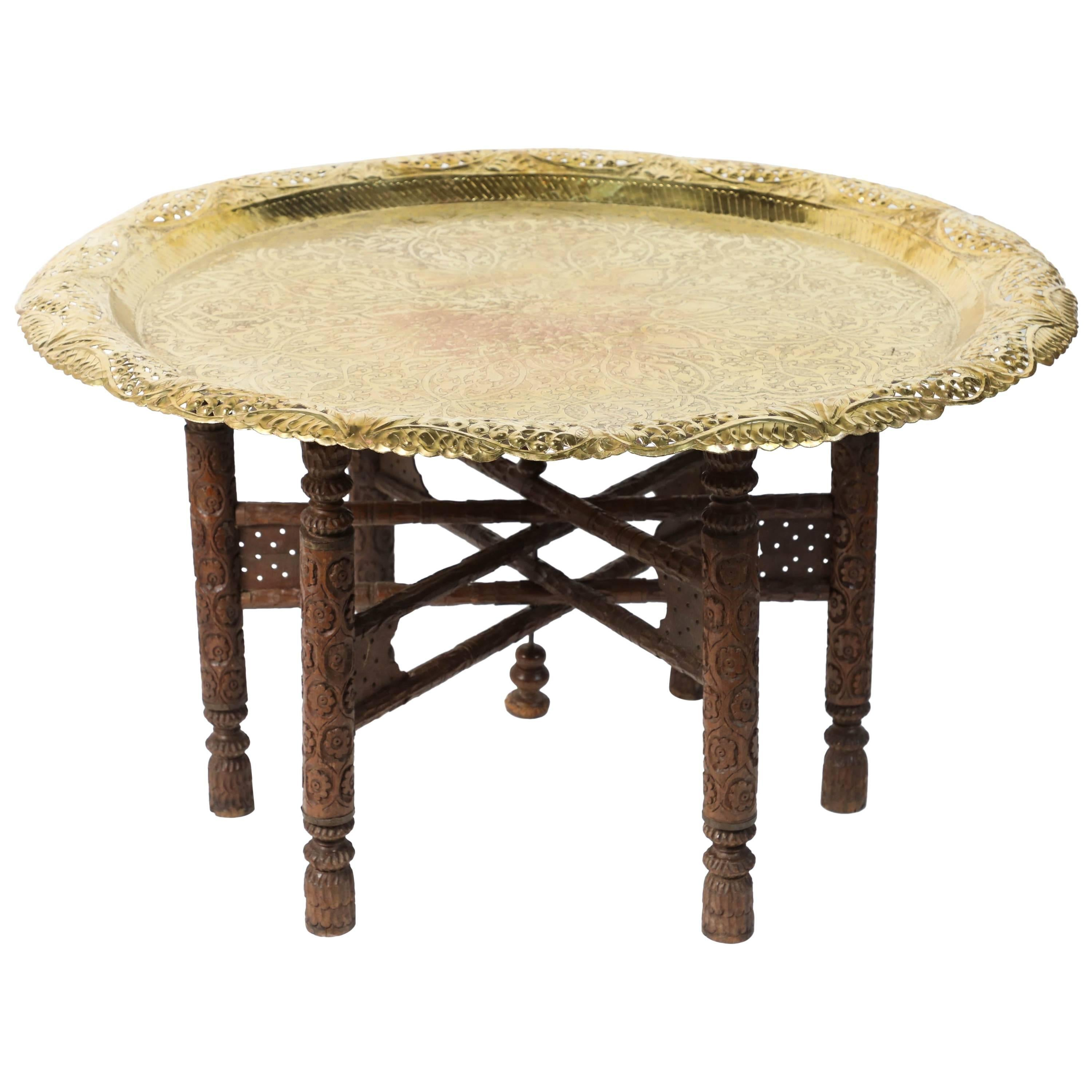 Anglo Indian Engraved Round Polished Brass Tray Coffee Table On Wooden  Stand For Sale