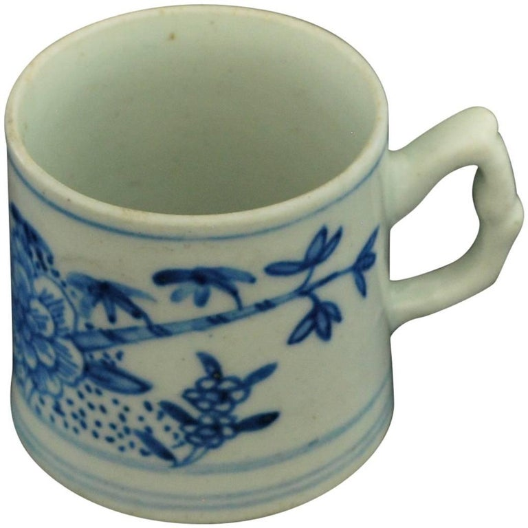 """Coffee Can Blue and White """"Peony & Bamboo"""" Bow Porcelain, circa 1754 For Sale"""