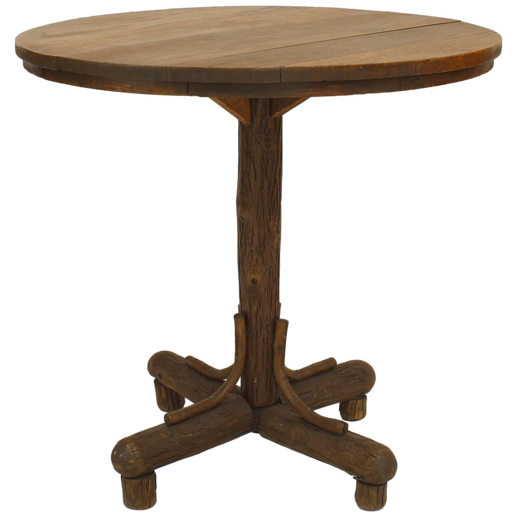 Exceptionnel 1930s American Rustic Old Hickory End Table For Sale
