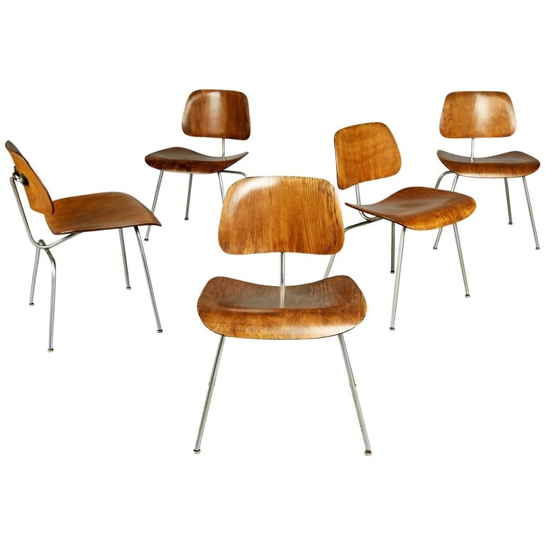This set of five (5) very rare Evans Production DCM chairs by Ray and Charles Eames predates Herman Miller produced versions. Being considered the