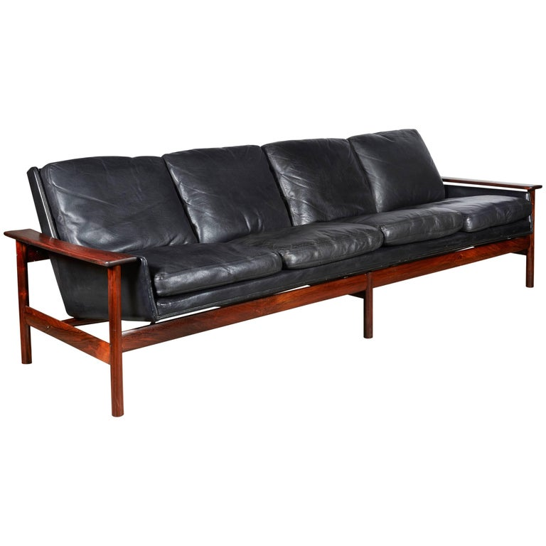 Sven Ivar Dysthe 7001 Leather Sofa 1