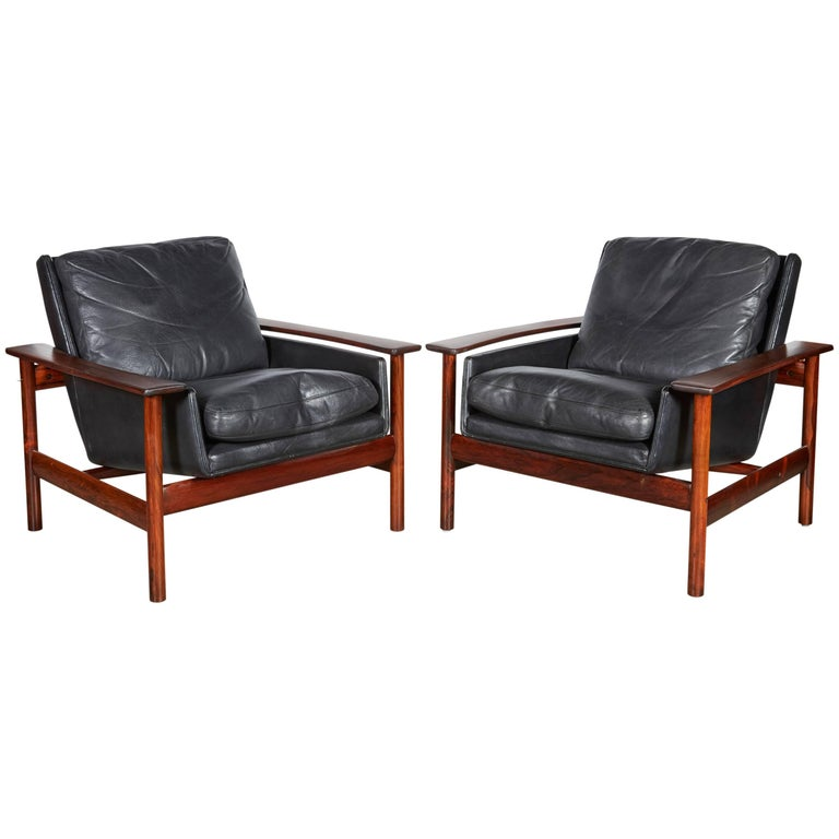 Sven Ivar Dysthe 7001 Leather Lounge Chairs, Pair 1