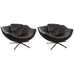 Pair of Leather Swivel Chairs by Gerard Van Den Berg