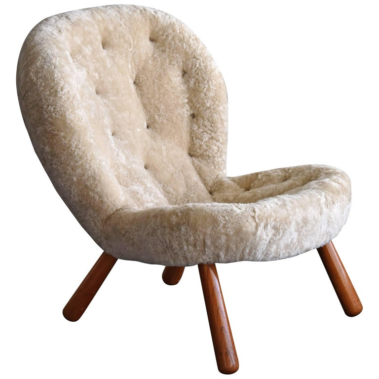 Philip Arctander 'Clam' Lounge Chair, Beige Sheepskin and Beech, 1944