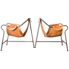 "Pair of Lina Bo Bardi ""Tripé"" Sling Chairs in Iron and Leather, Brazil, 1948"