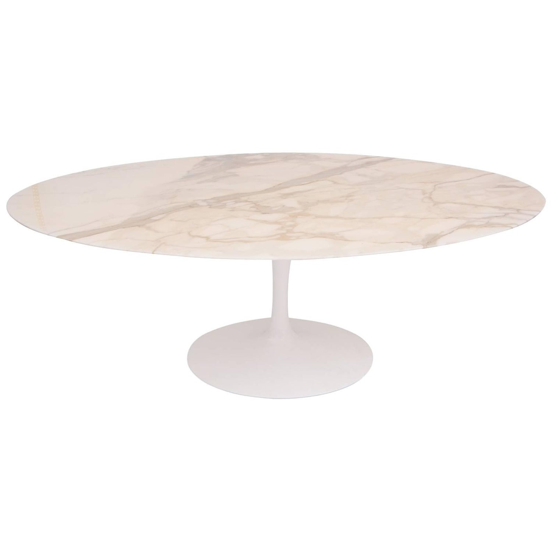 Eero saarinen tables 89 for sale at 1stdibs eero saarinen knoll calacatta marble oval dining table geotapseo Choice Image