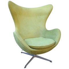 Midcentury Suede Arne Jacobsen Egg Chair for Fritz Hansen