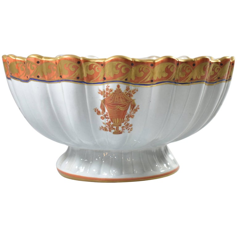 Italian Porcelain Orange and Gold Detail Footed Bowl Scalloped Edge, Mottahedeh