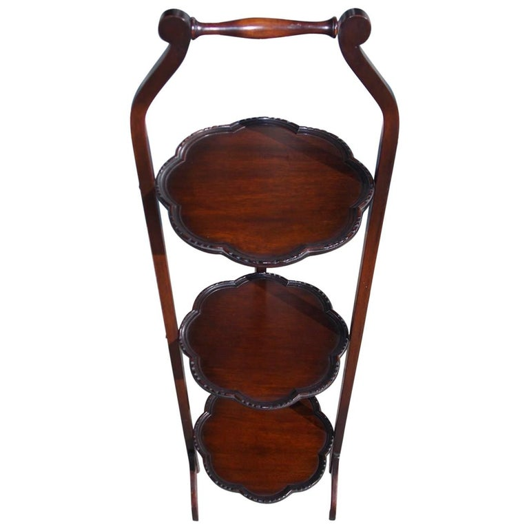 English Mahogany Scalloped Three-Tiered Folding Muffin Stand, Circa 1850 For Sale