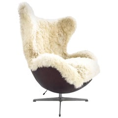 Arne Jacobsen for Fritz Hansen Egg Chair Restored in Sheepskin and Leather