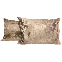 Silk Cushions Modern Damask Pattern Color White Gold and Ivory