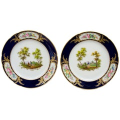 French Late 19th Century Pair of Porcelain Plates, Hunting Scenes, Paris