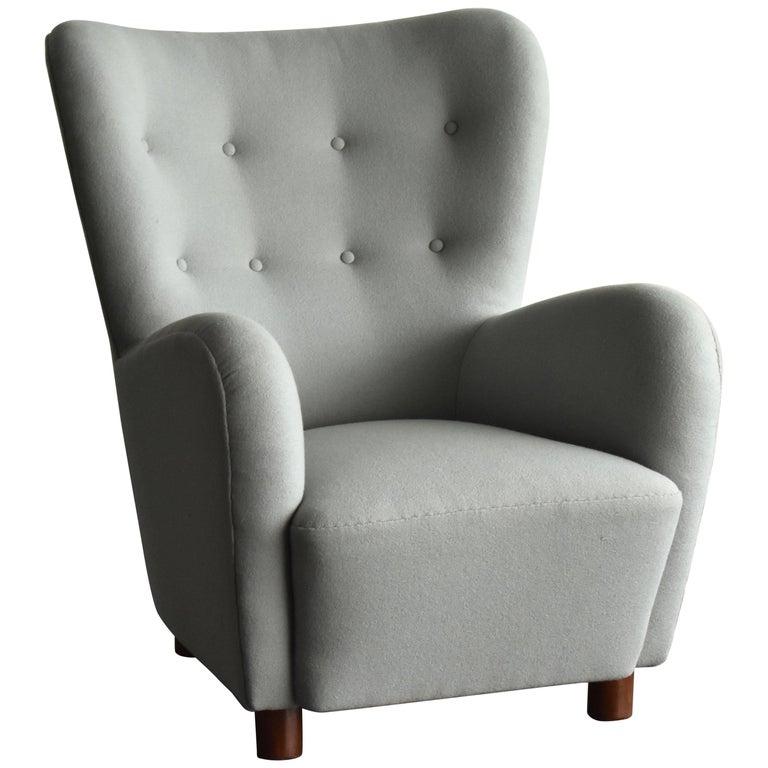 Erik Wørts, Armchair in Light Grey Fabric, Cuban Mahogany Legs, circa 1941 For Sale
