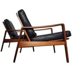 Pair of Model 30 Lounge Chairs by Arne Wahl Iversen for Komfort