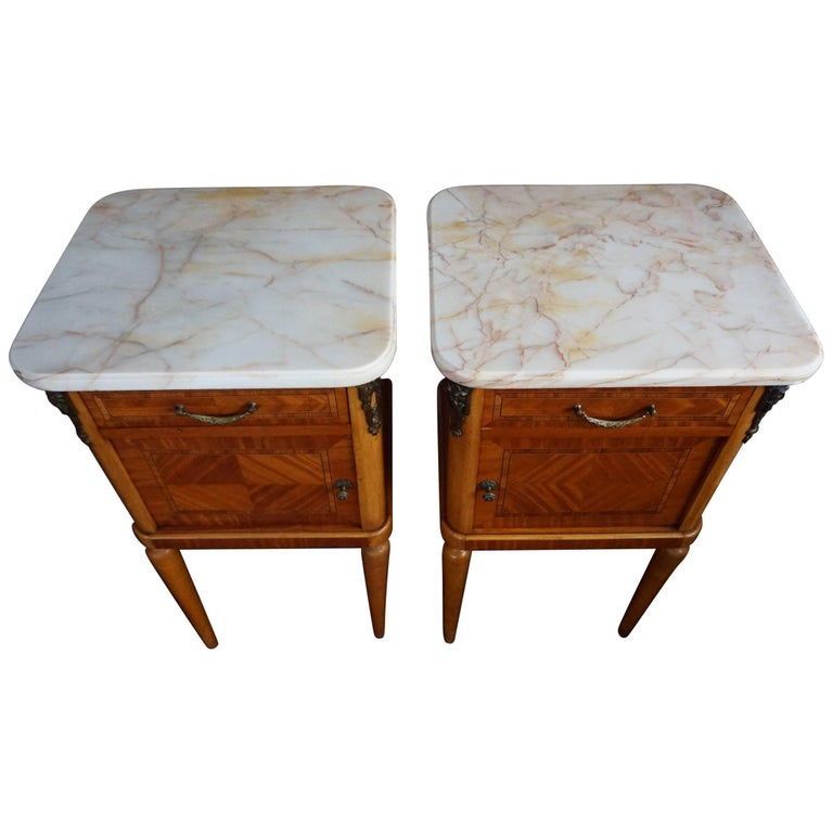 Antique Pair of Kingwood & Inlaid Satinwood Bedside Cabinets / Nightstands For Sale