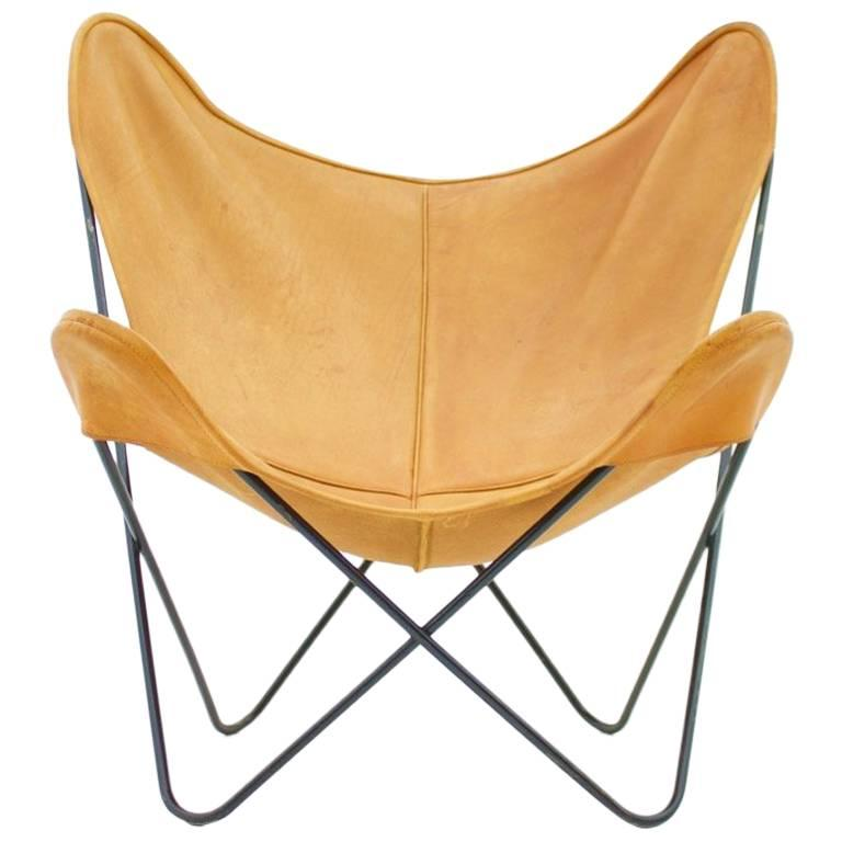 butterfly lounge chair with cognac brown leather by jorge hardoy for knoll for sale at 1stdibs. Black Bedroom Furniture Sets. Home Design Ideas