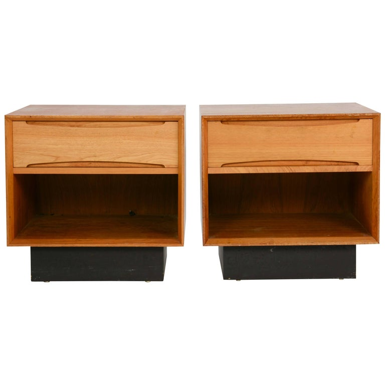 Pair of Drylund or Denmark's Nightstands in Teak After Arne Vodder For Sale