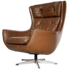 Mid-Century Modern Leather Egg Shaped Chair, 1960s
