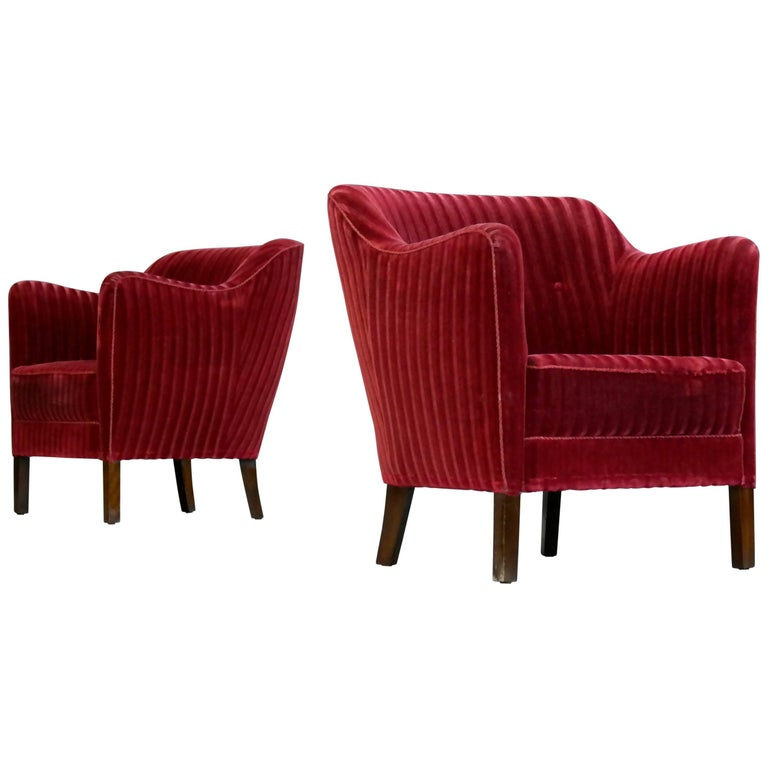 Pair of Frits Henningsen Style Danish 1940s Lounge Chairs in Velvet