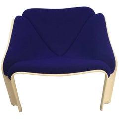 Artifort 303 Chair by Pierre Paulin