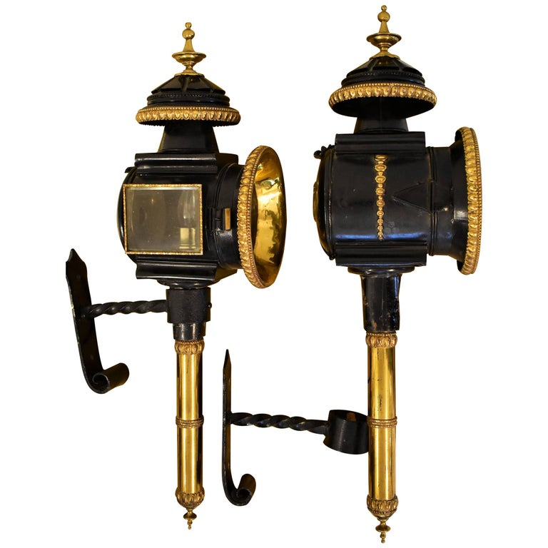 19th Century Pair Of Large English Carriage Lamps In Brass