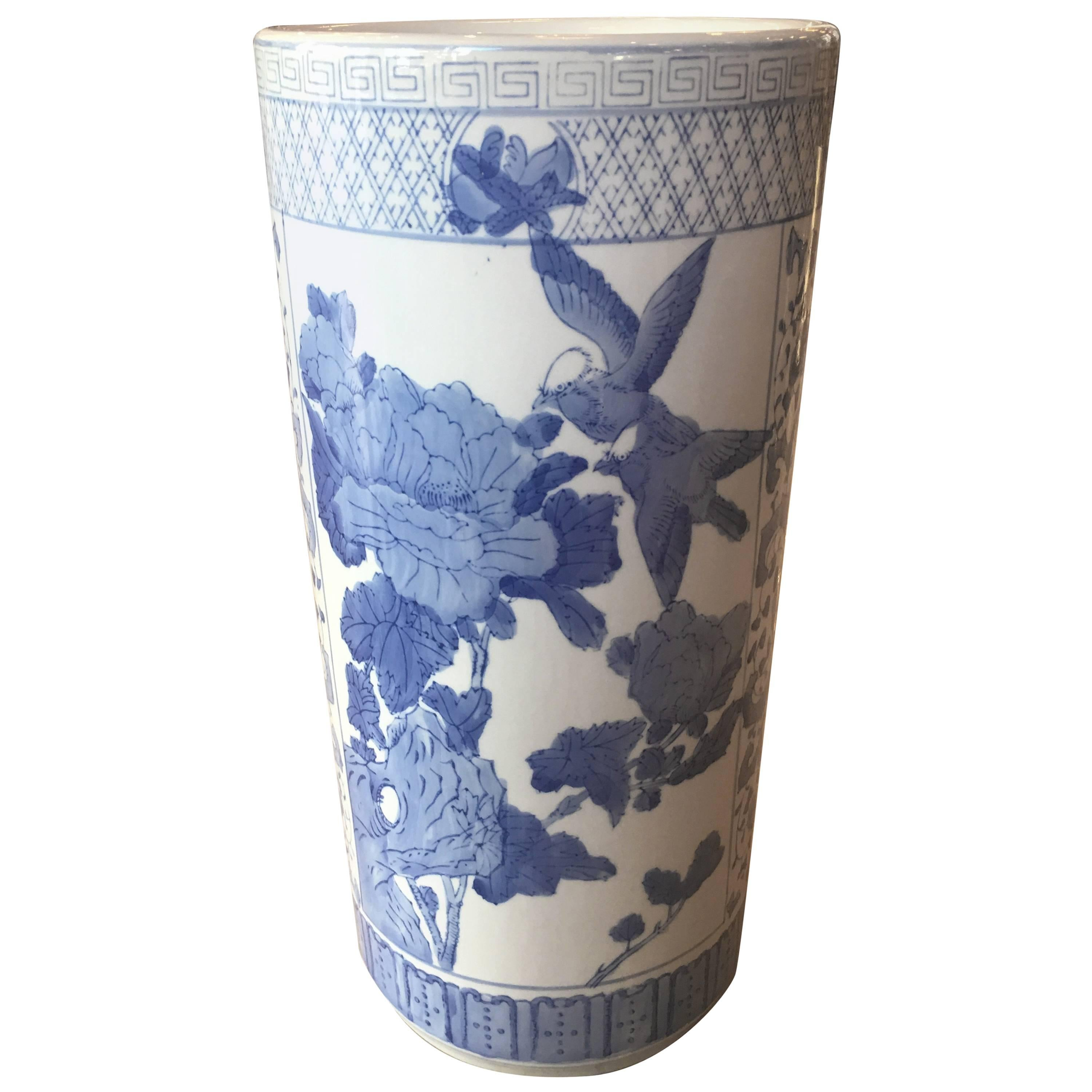 Charmant Vintage Umbrella Stand Blue And White Greek Key Chinoiserie Birds Chinese