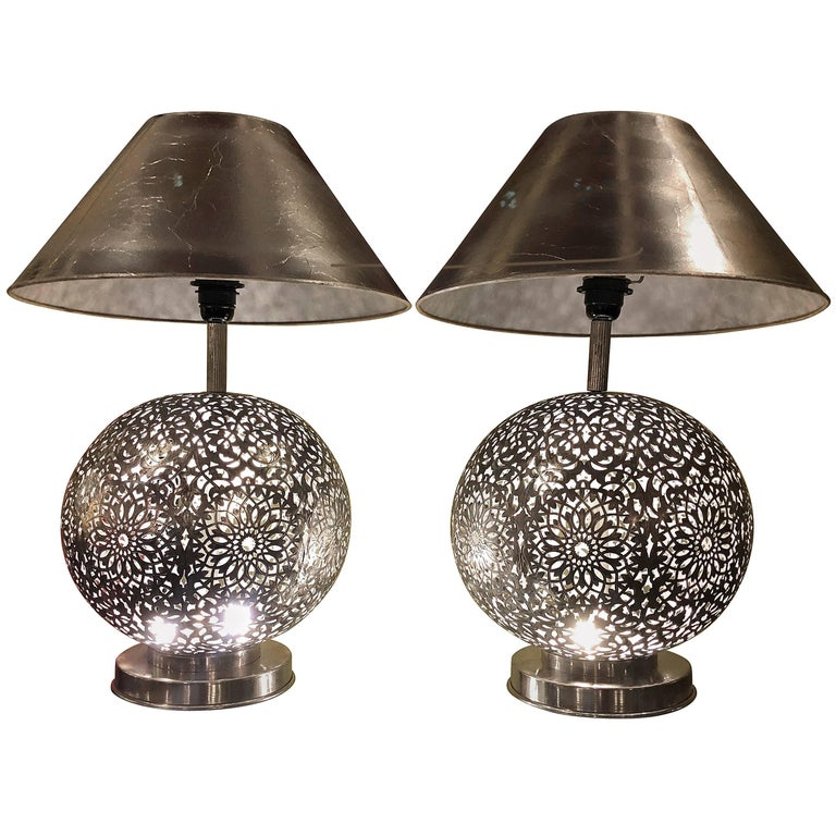 Pair Of Round White Brass Table Lamps For Sale At 1stdibs