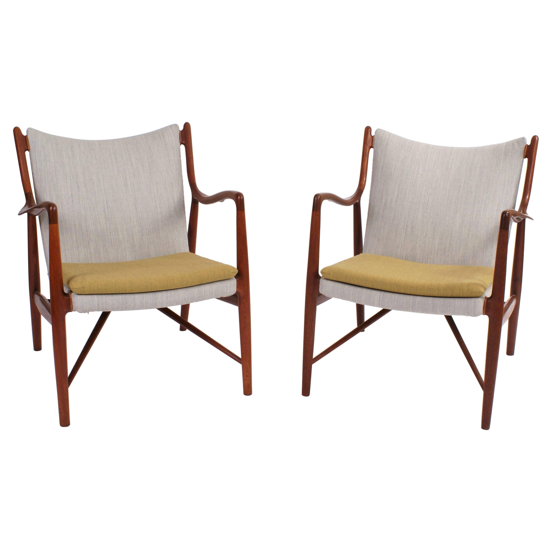 Finn Juhl Pair of NV45 Easy Chairs for Niels Vodder, 1945