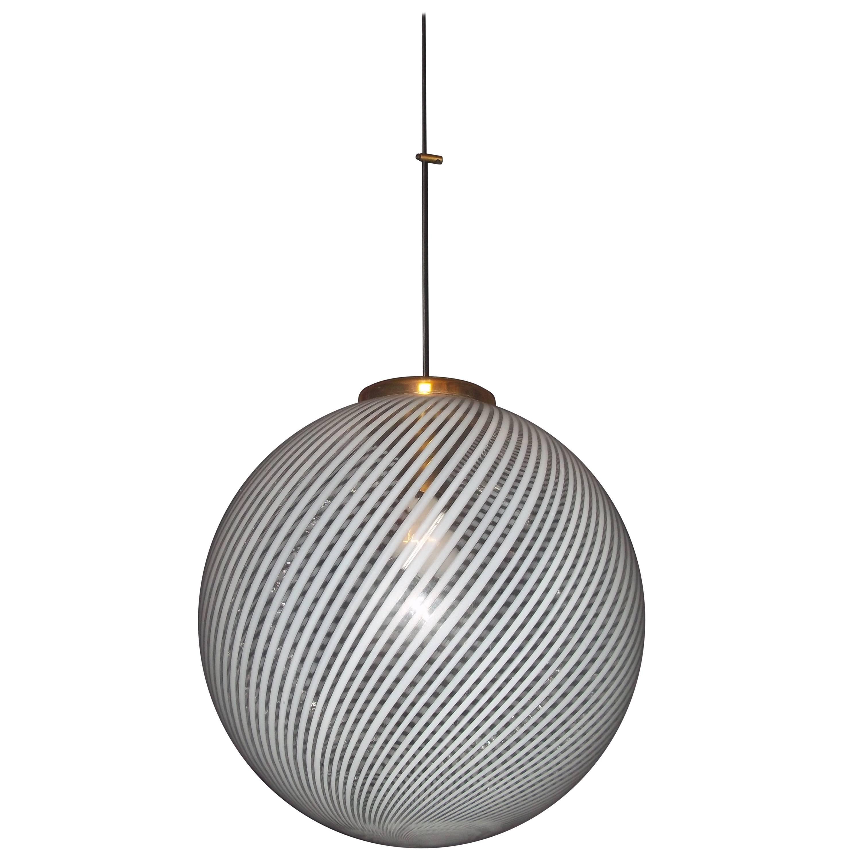 Venini, 'Tessuto' Sphere Chandelier, circa 1970 in Murano Glass