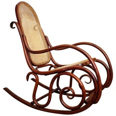 Thonet No.10 Rocking Chair in Bentwood and Cane