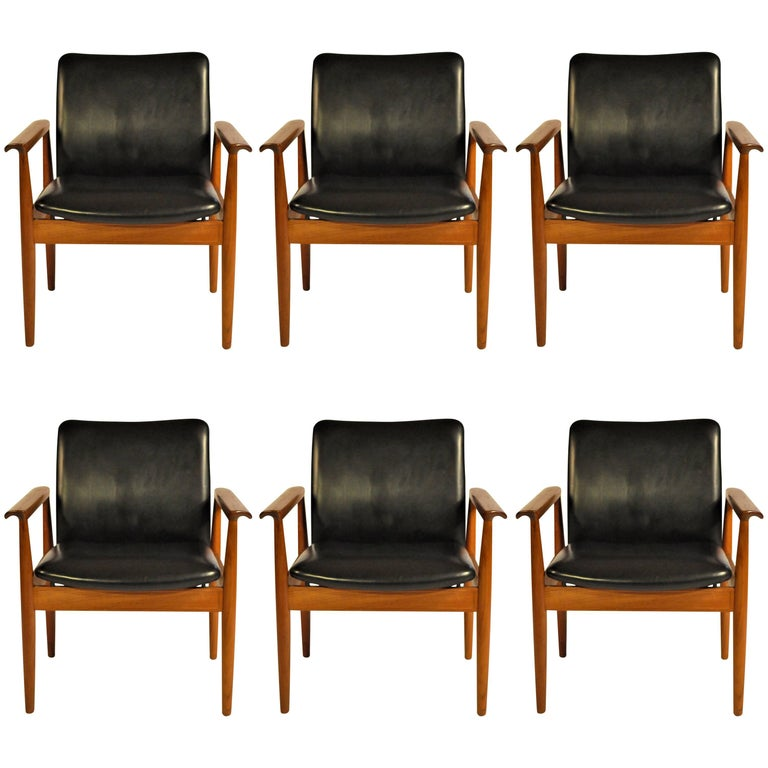 1960s Finn Juhl Set of Six Model 209 Diplomat Chair in Teak and Leather by Cado