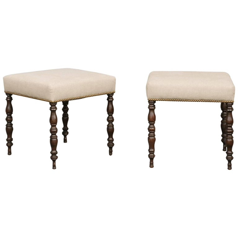 Pair of English, 1880s Walnut Stools with Turned Legs and Linen Upholstery