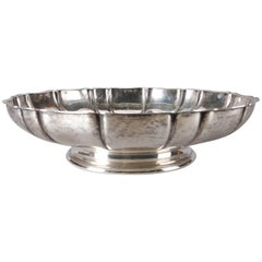 Antique Sterling Silver Footed and Scalloped Centre Bowl by Wallace, 16toz