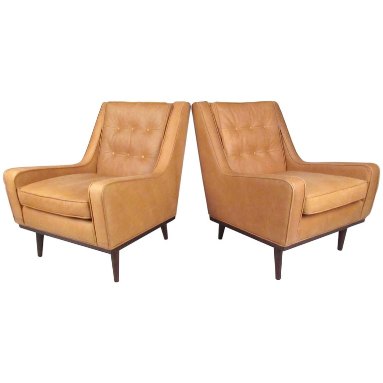 Pair of stylish modern tufted leather lounge chairs for for Modern leather club chair
