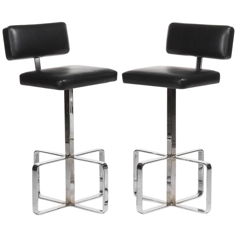 Pair of Italian 1970s Leather and Chrome Swivel Barstools