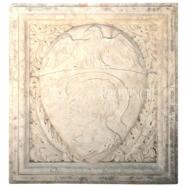 Early 19th Century Italian Crest in Biancone Marble For Sale