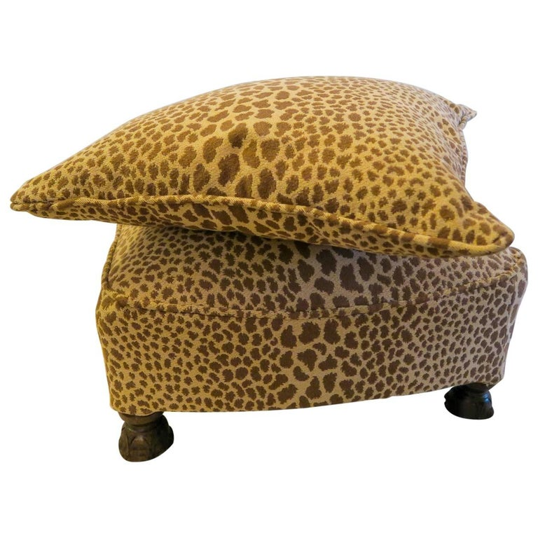 newly upholstered vintage 1920s hot to trot cheetah ottoman and pillow to match for sale at 1stdibs. Black Bedroom Furniture Sets. Home Design Ideas
