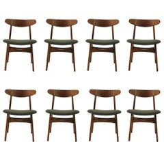1950s Set of Eight Hans Wegner Dining Chairs CH30 in Oak, Teak and Green Fabric