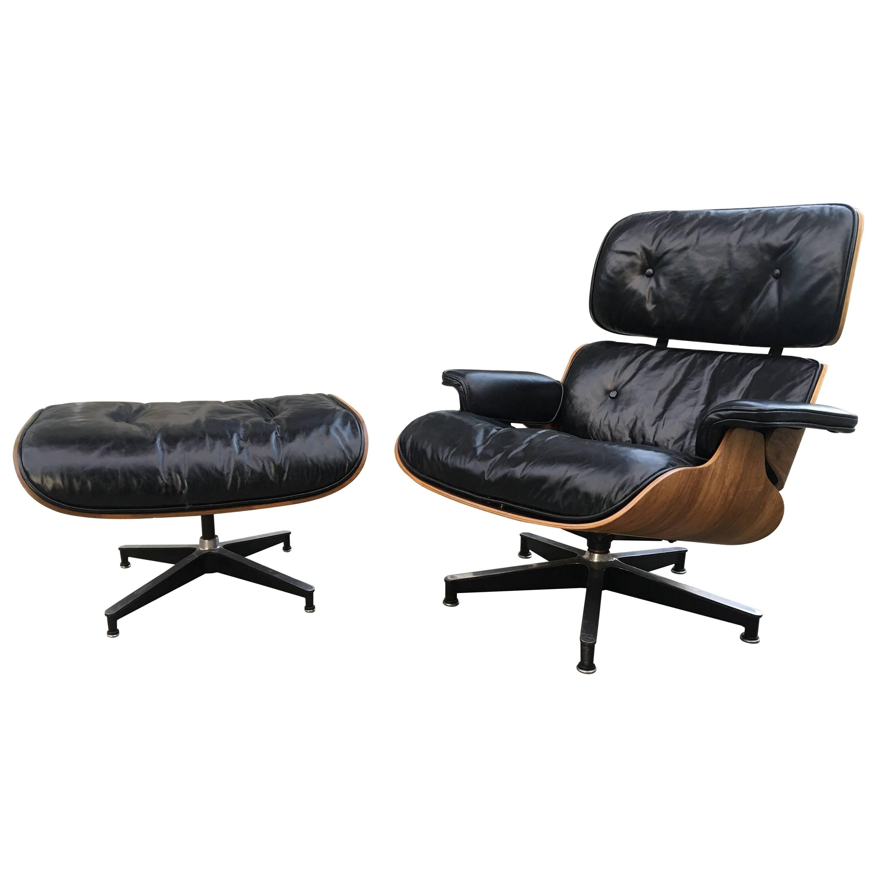 Early 1960s Herman Miller Eames Lounge Chair And Ottoman With Down Cushions  For Sale