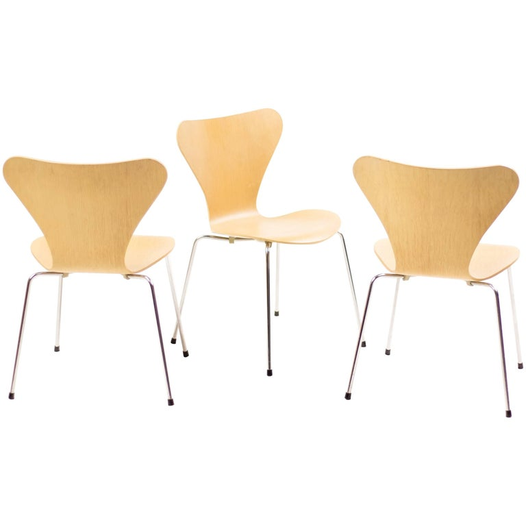 "Set of Three Model 3107 ""Series Seven"" Chairs by Arne Jacobsen"